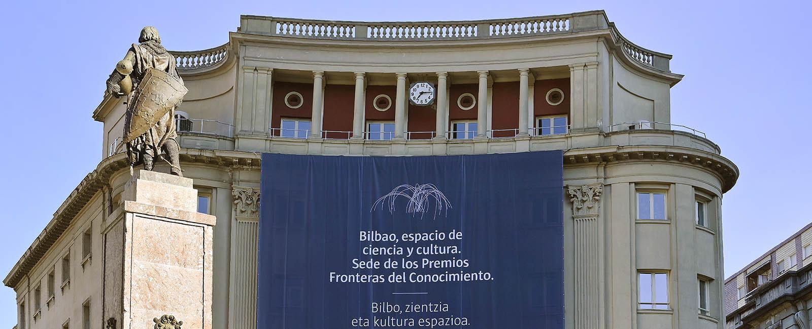 FUNDACION-BBVA-Bilbao-engalanado-Premios-FDC-31.05.19.-02.-1600×650